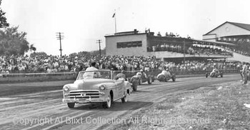 Bill_mitchell_in_pace_car_mich_st_f