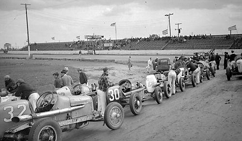 Pre-Race Line-up: Detroit 100 Mile Race 1936
